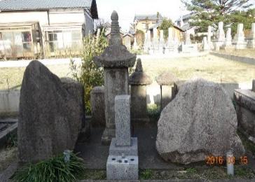 山崎汎昌の歌碑